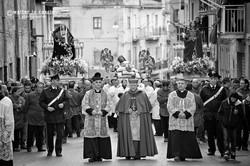 venerd-santo-a-san-cataldo-il-mattutino-san-cataldese-anno-2013_8689314349_o.jpg
