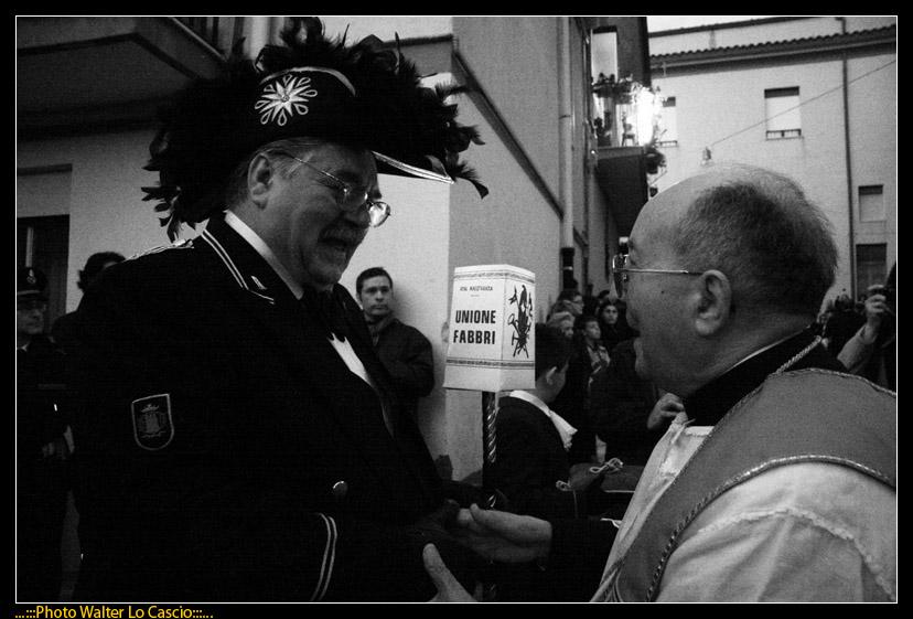 venerd-santo-a-caltanissetta-il-cristo-nero-ed-2009_3446390164_o.jpg