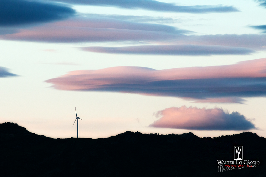 pala-eolica-al-tramonto_14104834911_o.jpg