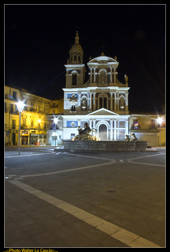 piazza-garibaldi-a-caltanissetta_3422881210_o.jpg