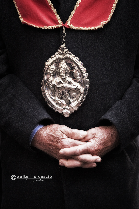 venerd-santo-a-san-cataldo-il-mattutino-san-cataldese-anno-2013_8619352748_o.jpg
