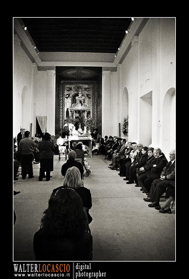 venerd-santo-a-caltanissetta-il-cristo-nero-2010_4514340752_o.jpg