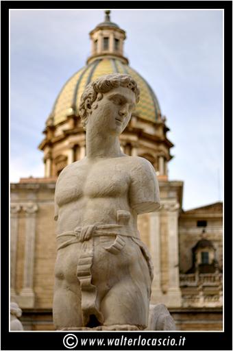 palermo-piazza-pretoria-piazza-della-vergogna_3553910453_o.jpg