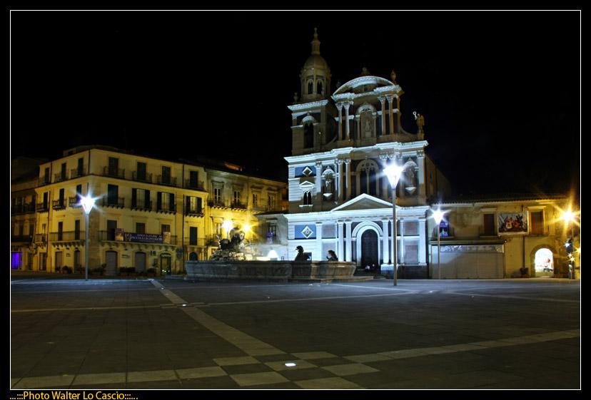 piazza-garibaldi-a-caltanissetta_3422070749_o.jpg
