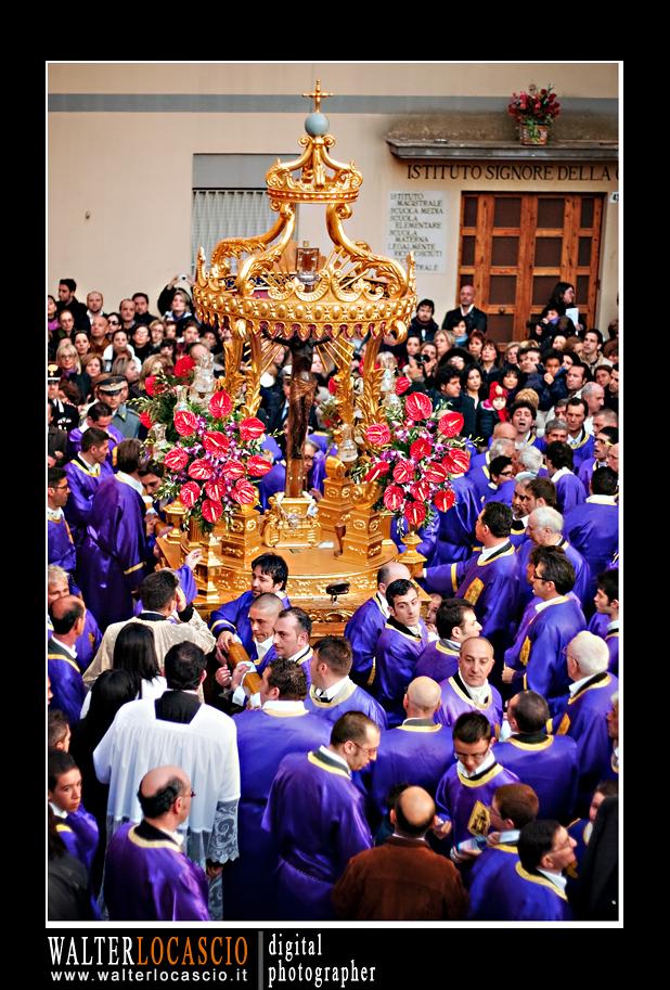venerd-santo-a-caltanissetta-il-cristo-nero-2010_4514352446_o.jpg