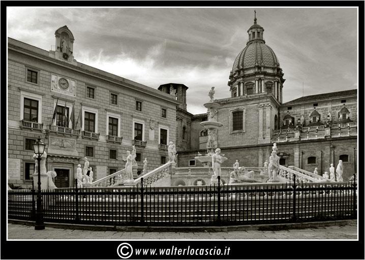 palermo-piazza-pretoria-piazza-della-vergogna_3553905865_o.jpg