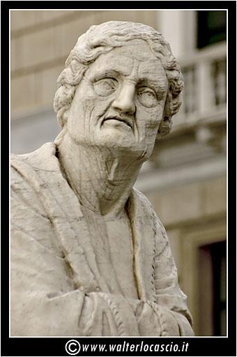 palermo-piazza-pretoria-piazza-della-vergogna_3553906209_o.jpg
