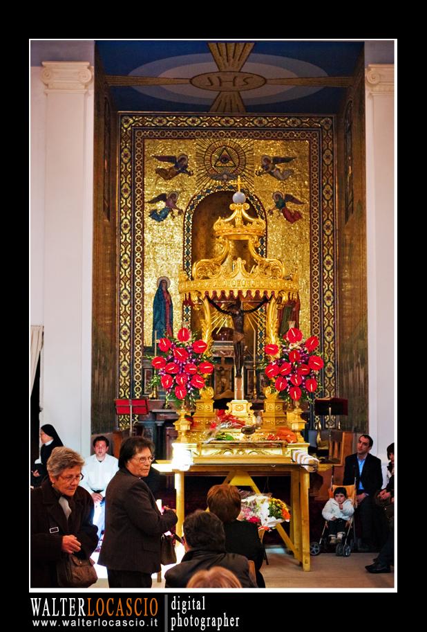 venerd-santo-a-caltanissetta-il-cristo-nero-2010_4513699827_o.jpg
