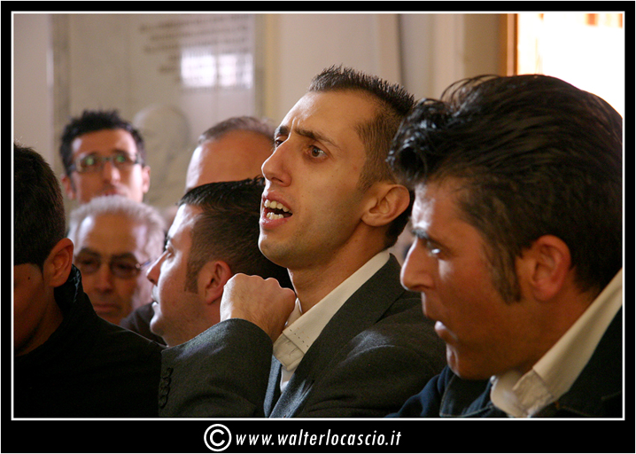 il-venerd-santo-a-caltanissetta-il-cristo-nero_3404136754_o.jpg
