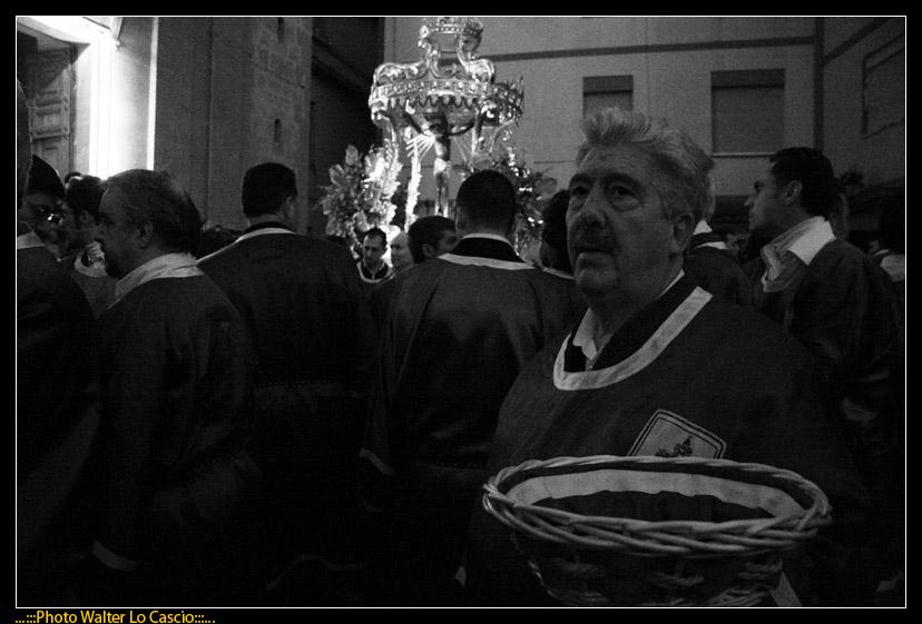 venerd-santo-a-caltanissetta-il-cristo-nero-ed-2009_3446390562_o.jpg