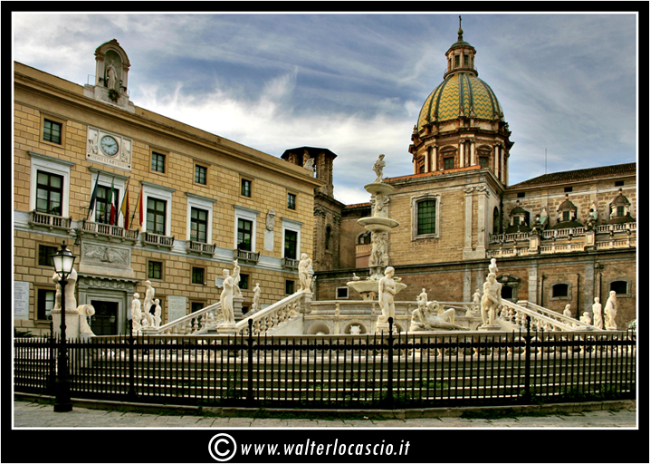 palermo-piazza-pretoria-piazza-della-vergogna_3553911045_o.jpg