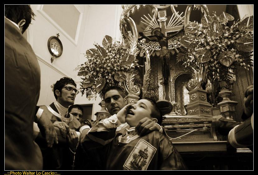 venerd-santo-a-caltanissetta-il-cristo-nero-ed-2009_3446385012_o.jpg