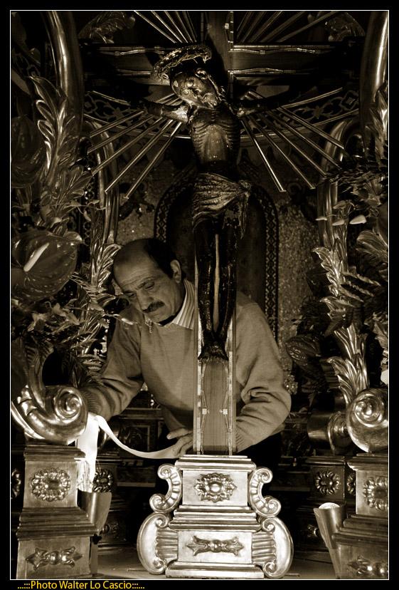 venerd-santo-a-caltanissetta-il-cristo-nero-ed-2009_3446382830_o.jpg