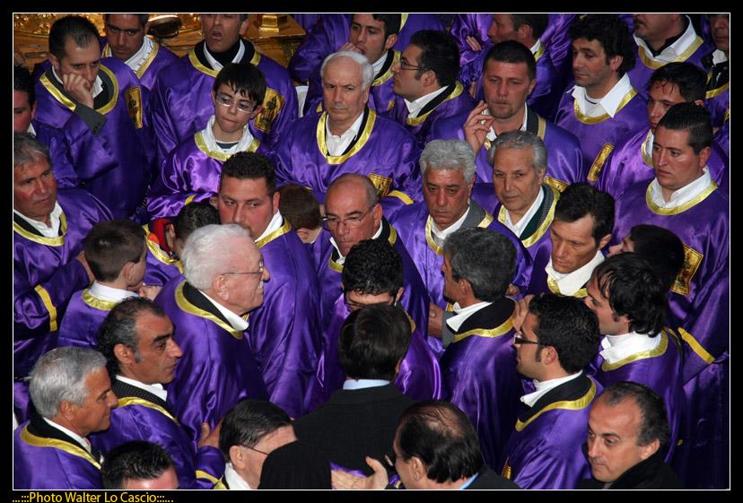 venerd-santo-a-caltanissetta-il-cristo-nero-ed-2009_3446387360_o.jpg