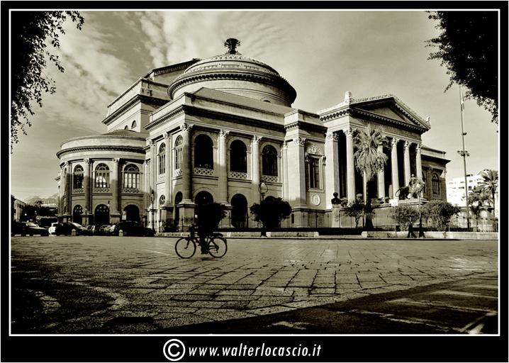 palermo-teatro-massimo-piazza-g-verdi_3553919615_o.jpg