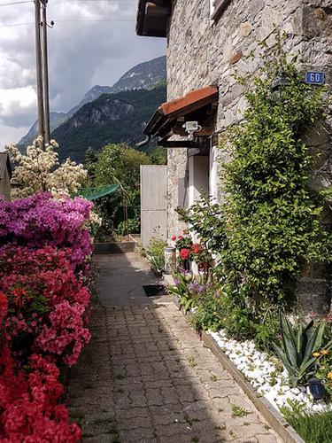 Outdoor home03.jpg