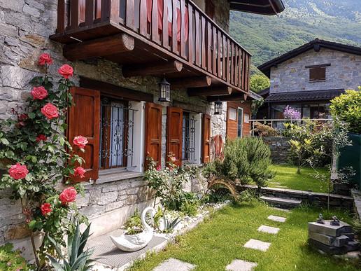 Outdoor home02.jpg