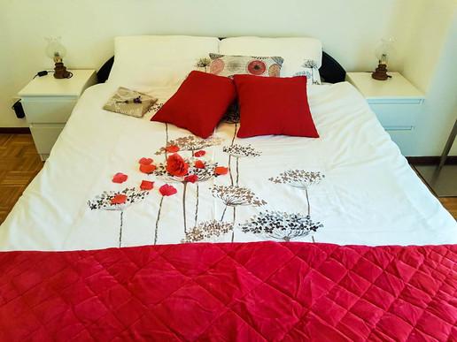Room01_1.jpg