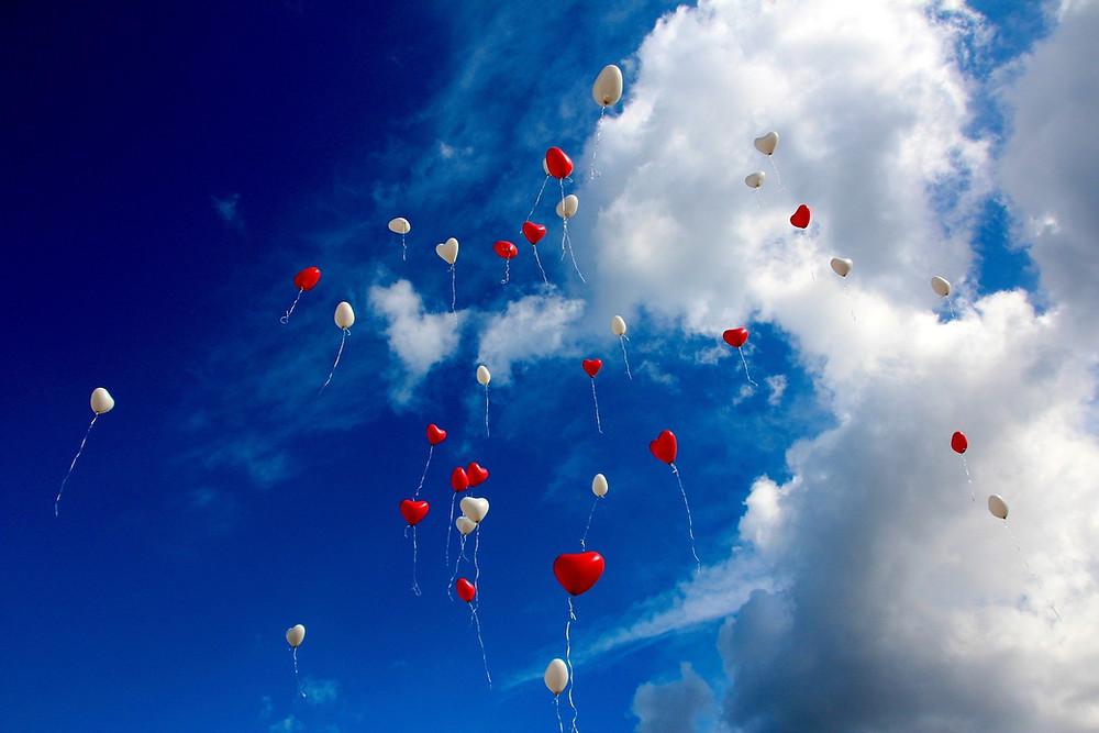 Bitte nutzt biologisch abbaubare Ballons 💝