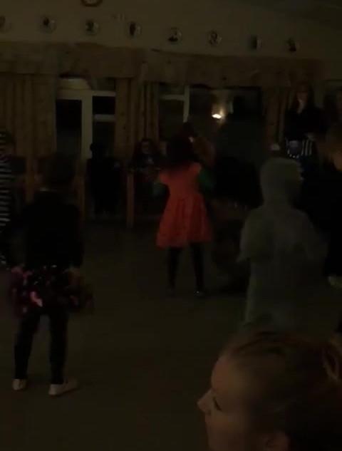Danseleken 2.mp4