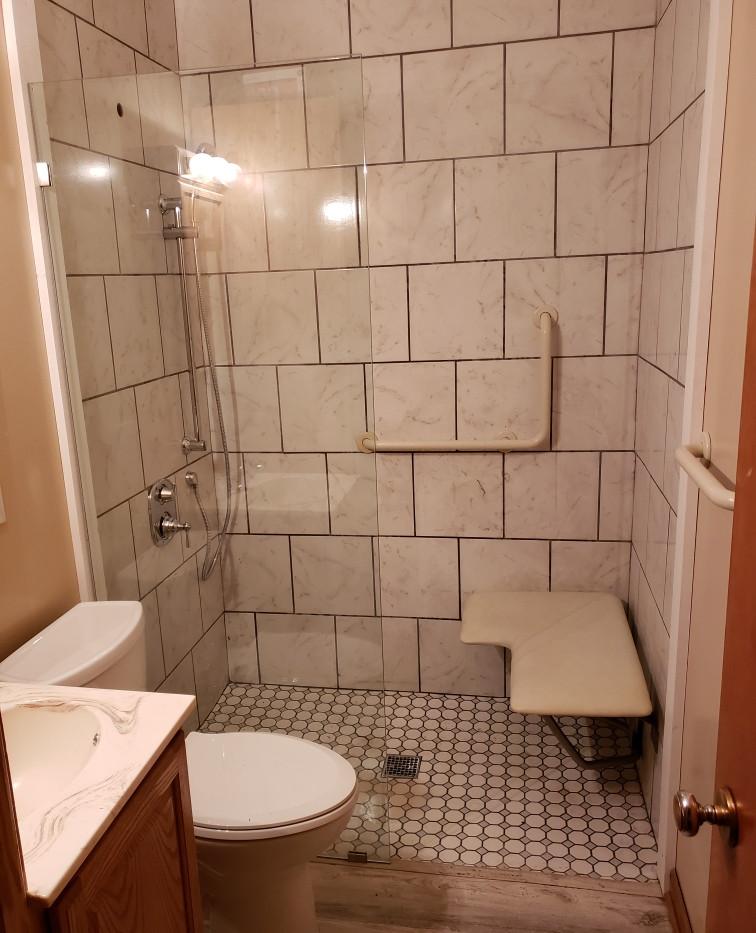 accesible shower.jpg