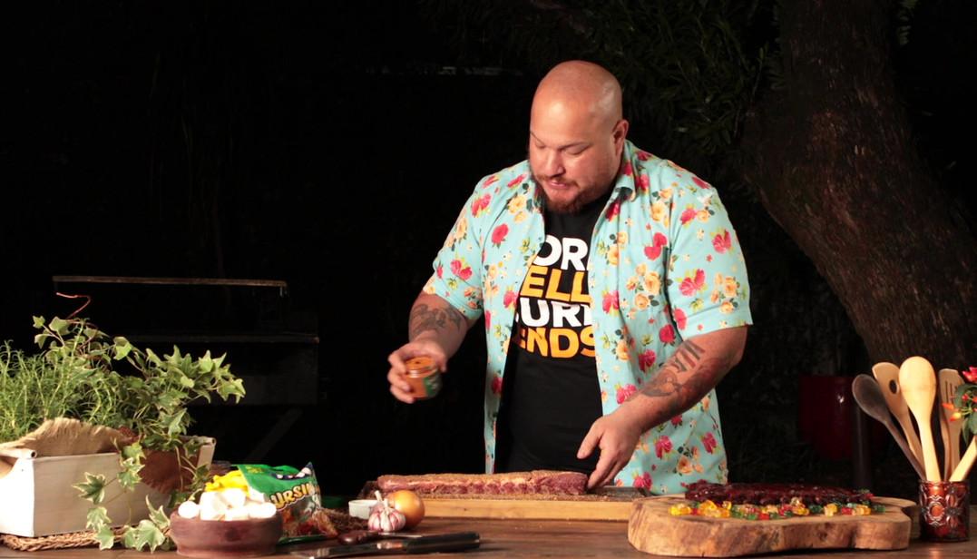 Bruno Salomão para Fini - Barbecure de Ursinhos