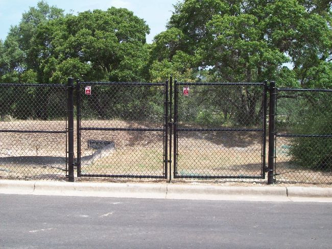 6ft Black Chain Link & Gates
