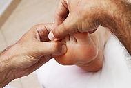 foot-reflexology-3781172_960_720.jpg
