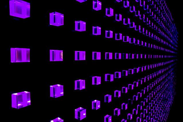 Illuminating colour