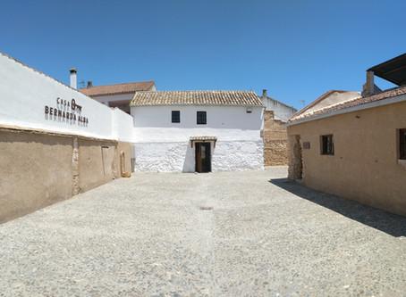Un paseo por Valderrubio: vecindario de Lorca y Bernarda Alba