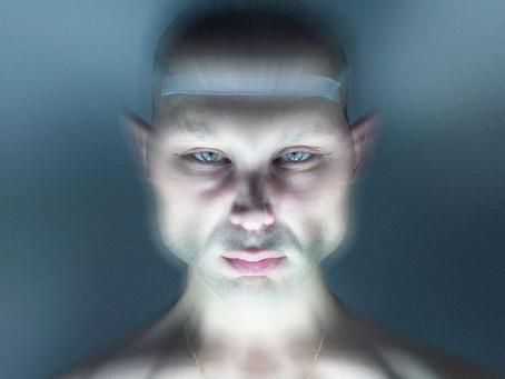 Pablo Sola emprende camino en solitario en 'Transhumana'.