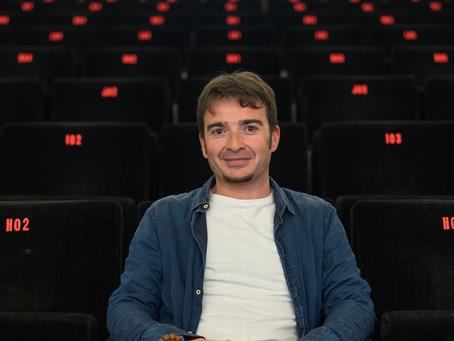 Juan Antonio Moreno, director de 'Bienvenidos a España': somos un país de gente cálida y acogedora.