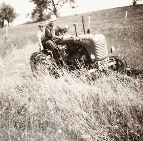 Papa_Opa_Traktor.jpg