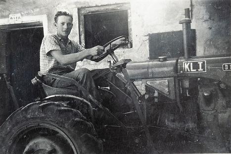 Opa_III_Traktor (2).jpg
