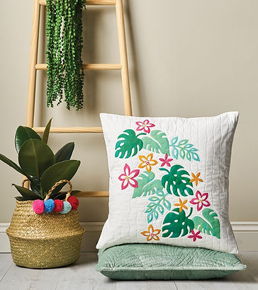 Botanical patchwork cushion Love Patchwo