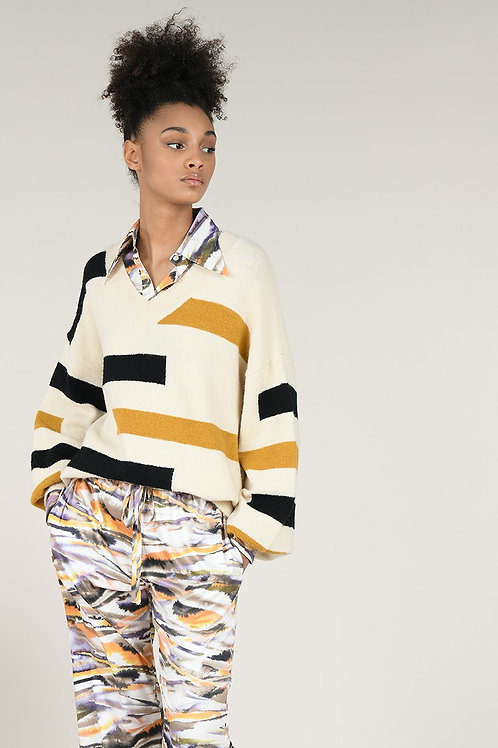 Molly Bracken | Graphic Line V Neck Sweater