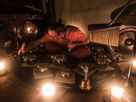 Zpívající tibetské mísy v ANAHATĚ