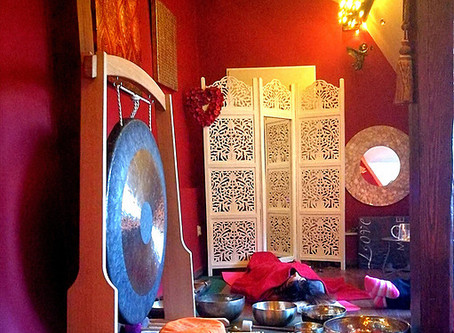 Seminář práce s tibetskými zpívajícími mísami