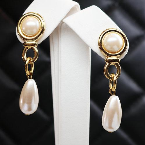 ⚜️ Vintage GIVENCHY Pearl Drop Pierced Earrings