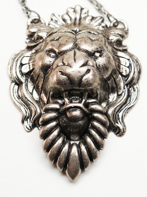 VINTAGE 1960s NAPIER LION'S HEAD DOORKNOCKER NECKLACE *signed* Antique Pewter