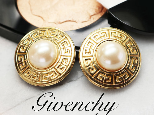 ⚜️ Vintage 1980s GIVENCHY Logo Pearl Clip-on Earrings