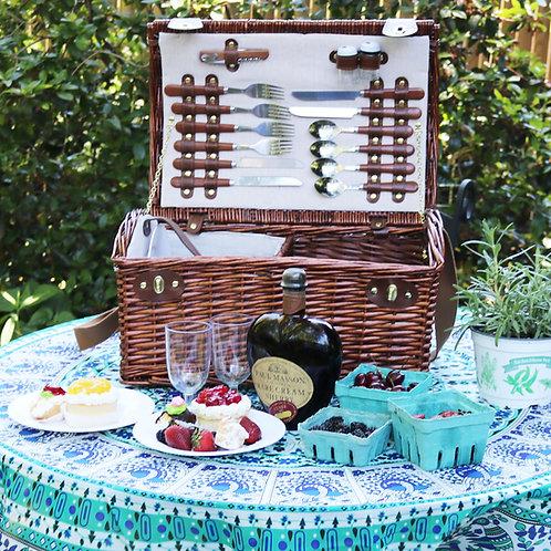 Treasure Chest Luxurious Beach Picnic Basket