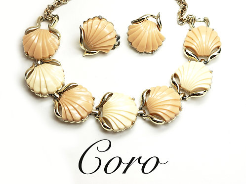 VINTAGE 1950s CORO Nautical *signed* Bakelite Seashell Earring & Choker Necklace