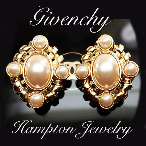 ⚜️ Vintage GIVENCHY Pearl Cabochon Earrings ⚜️