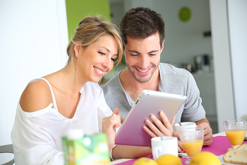 Couple reading tablet x350.png