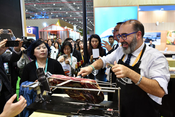 A Spanish ham exhibitor