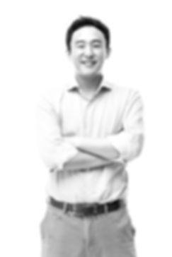 Junhaeng Lee (HD)[1]_edited.jpg