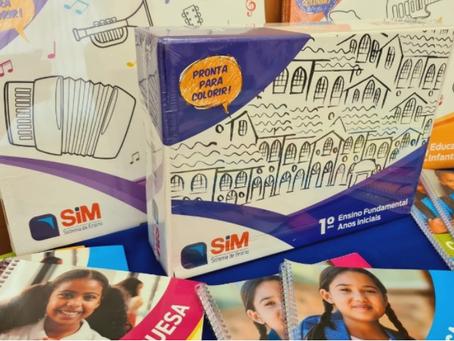 Educação inicia distribuição de uniformes e apostilas para rede municipal