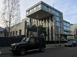 Cantilevered buildings in Berlin