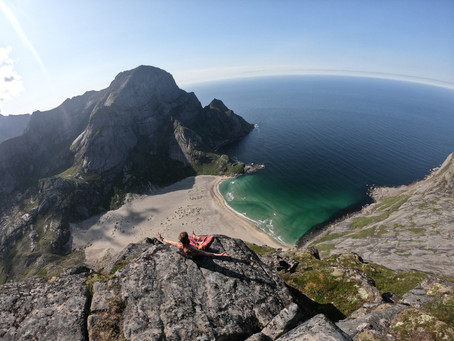 Part 19, Still in Lofoten, Amazing hikes, people and beaches!